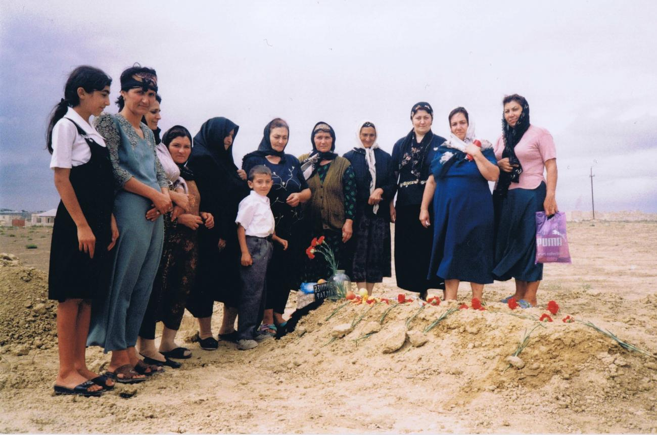 Visit at the cemetery - Mourning Ceremony (taziye) in Govsan (September 2001)
