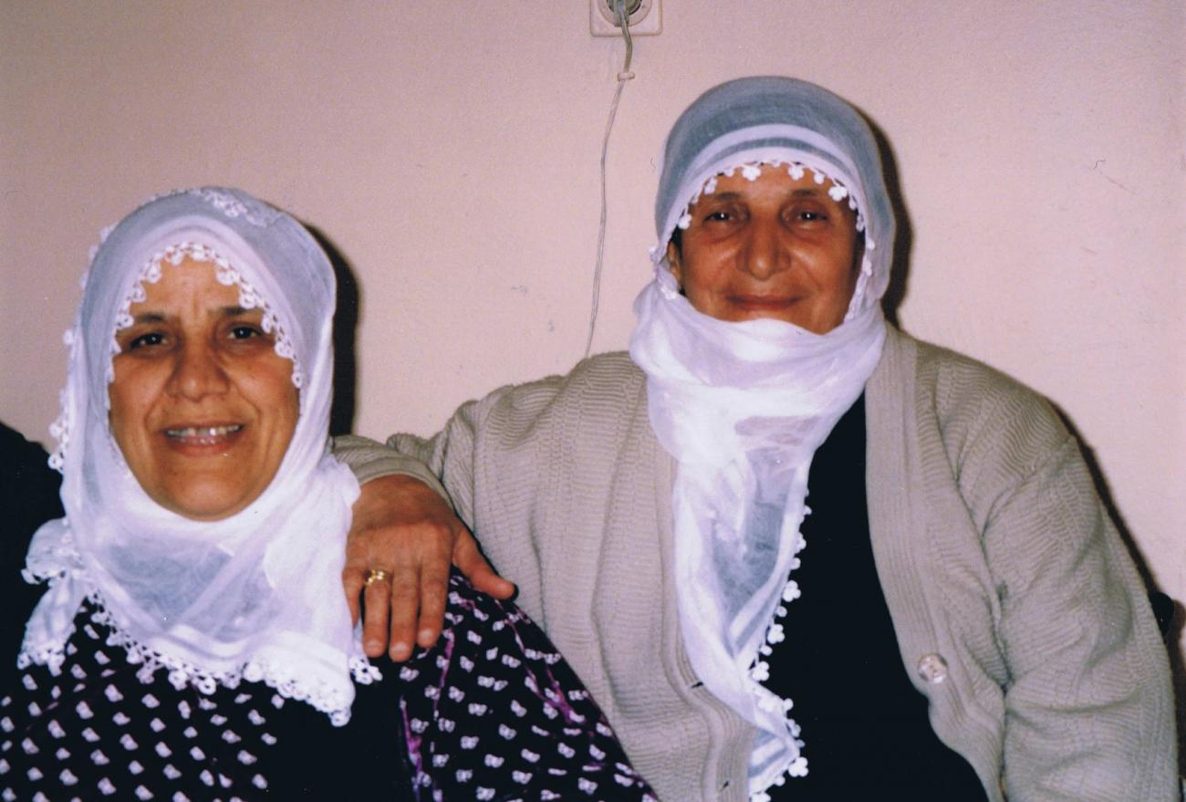 Lament performers in Diyarbakir (April 2003)